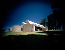 Monash Gallery of Art Harry Seidler Wheelers Hill 1990