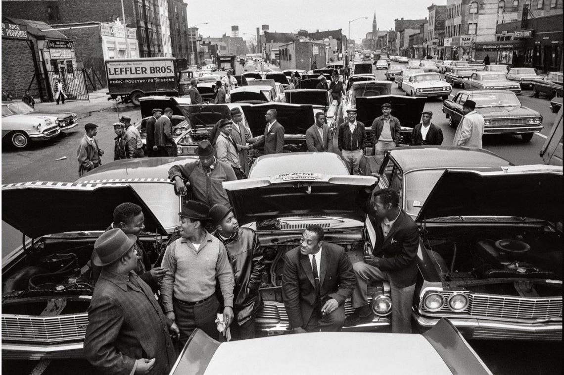 hg13 Brooklyn Core Car Stall In, New York 1964. jpg